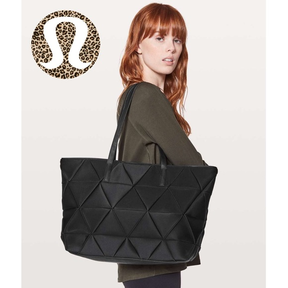 Lululemon For The Fun Of It Tote Black Quilted 13L